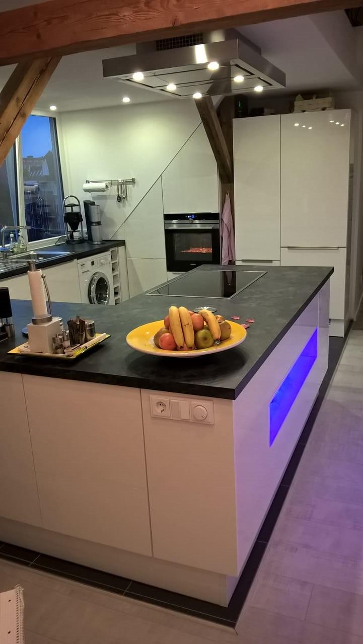 ein gelungener Dachausbau mit gemütlicher Küche