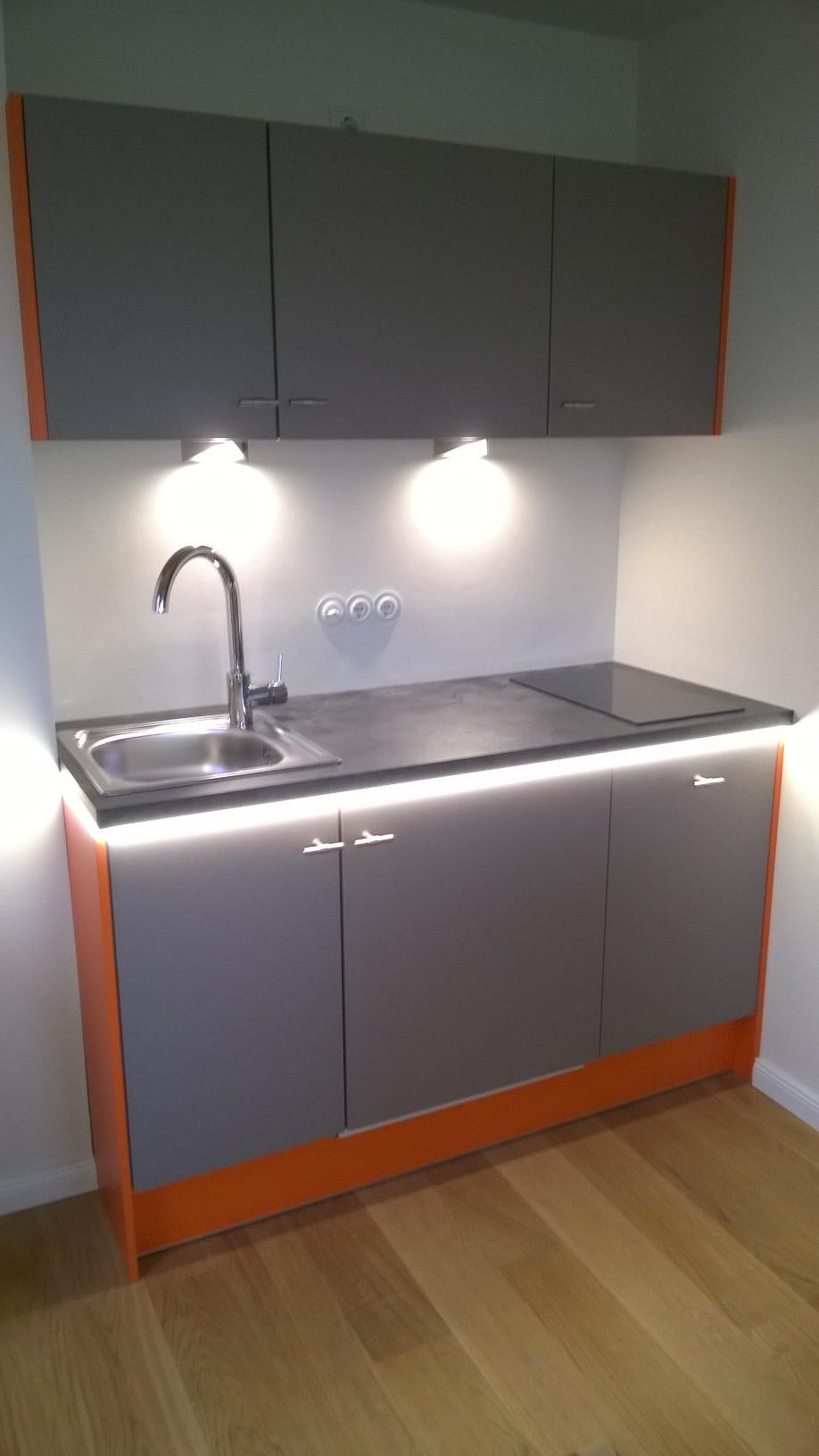 eine kleine Büroküche
