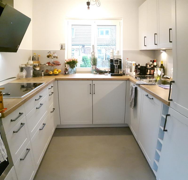eine Küche in Aktion in einem Reihenhaus